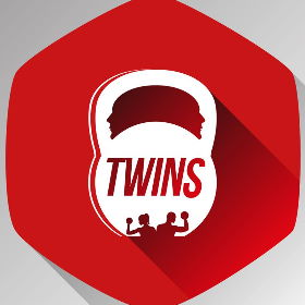Twins Fitness Station